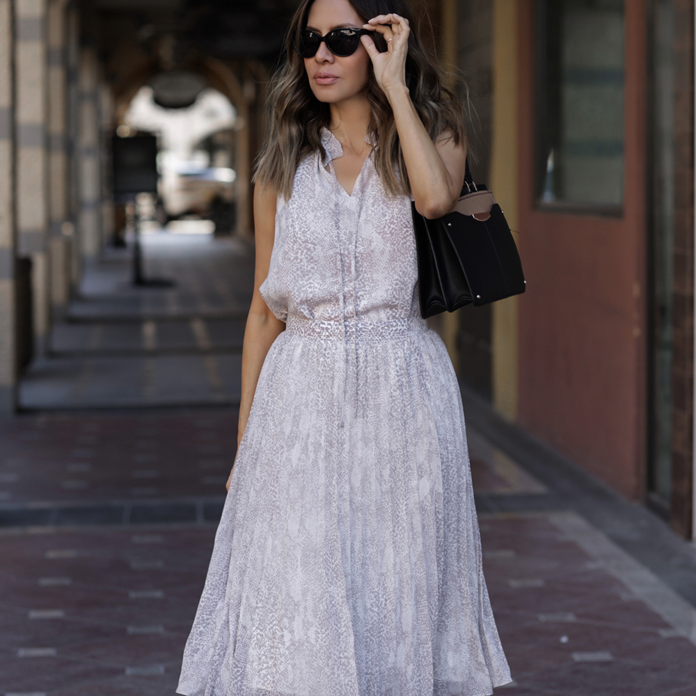How to Style Snakeskin for the Office, Ann Taylor Snakeskin Print Collection, Snakeskin trend 2019, Snakeskin outfit, Ann Tayor snakeskin skirt and top | LolaRioStyle.com