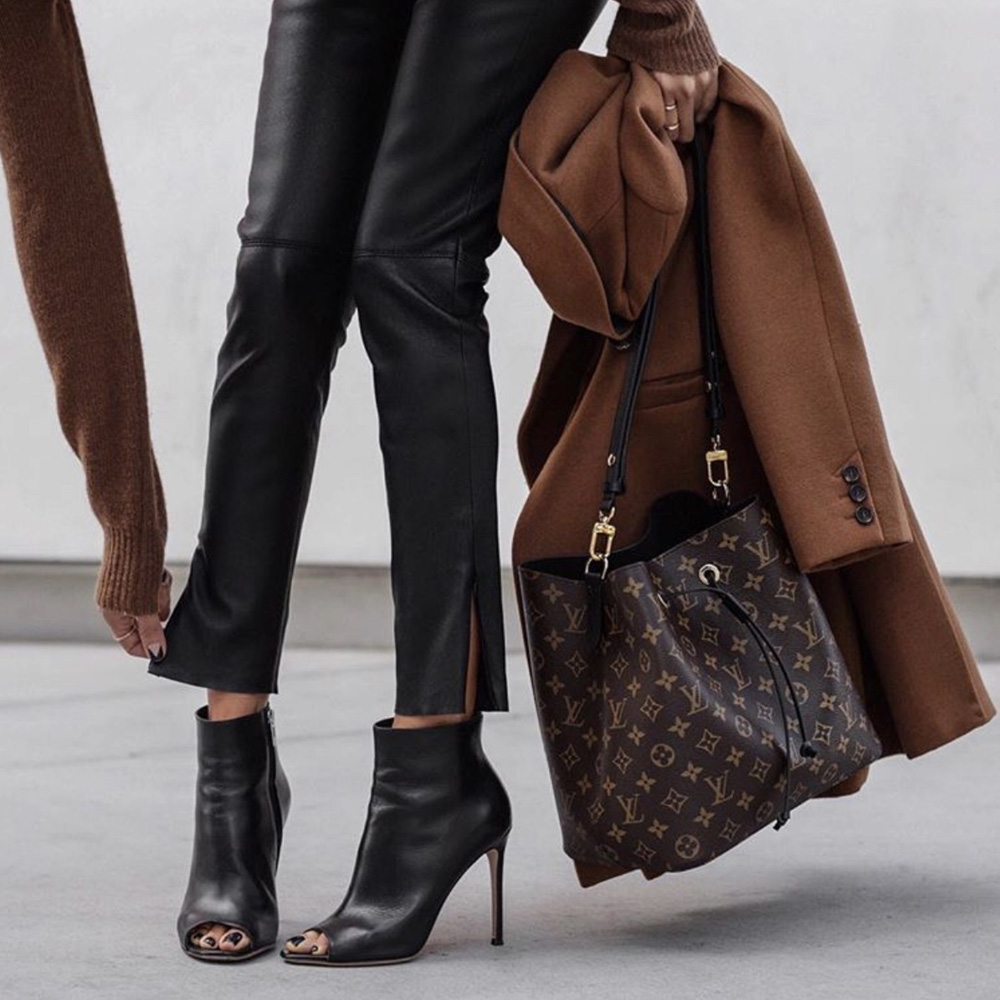 The only bags worth investing in, louis vuitton monogram handbag, lolario style blogger wearing louis vuitton bag | lolariostyle.com