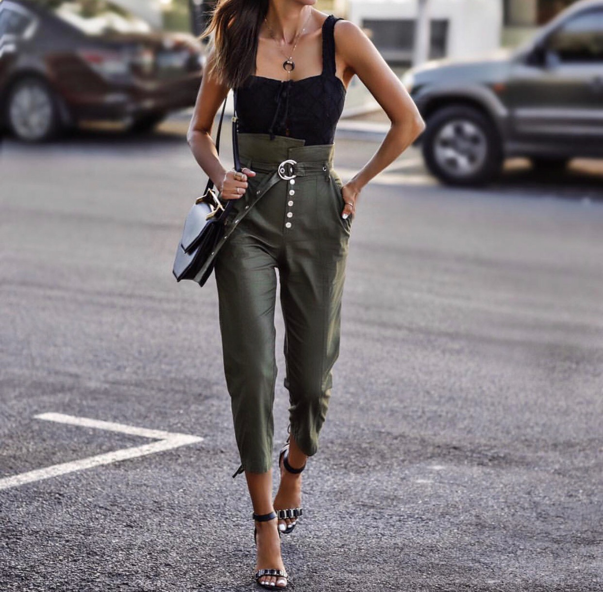 paperbag pants, black tank top // lolariostyle.com