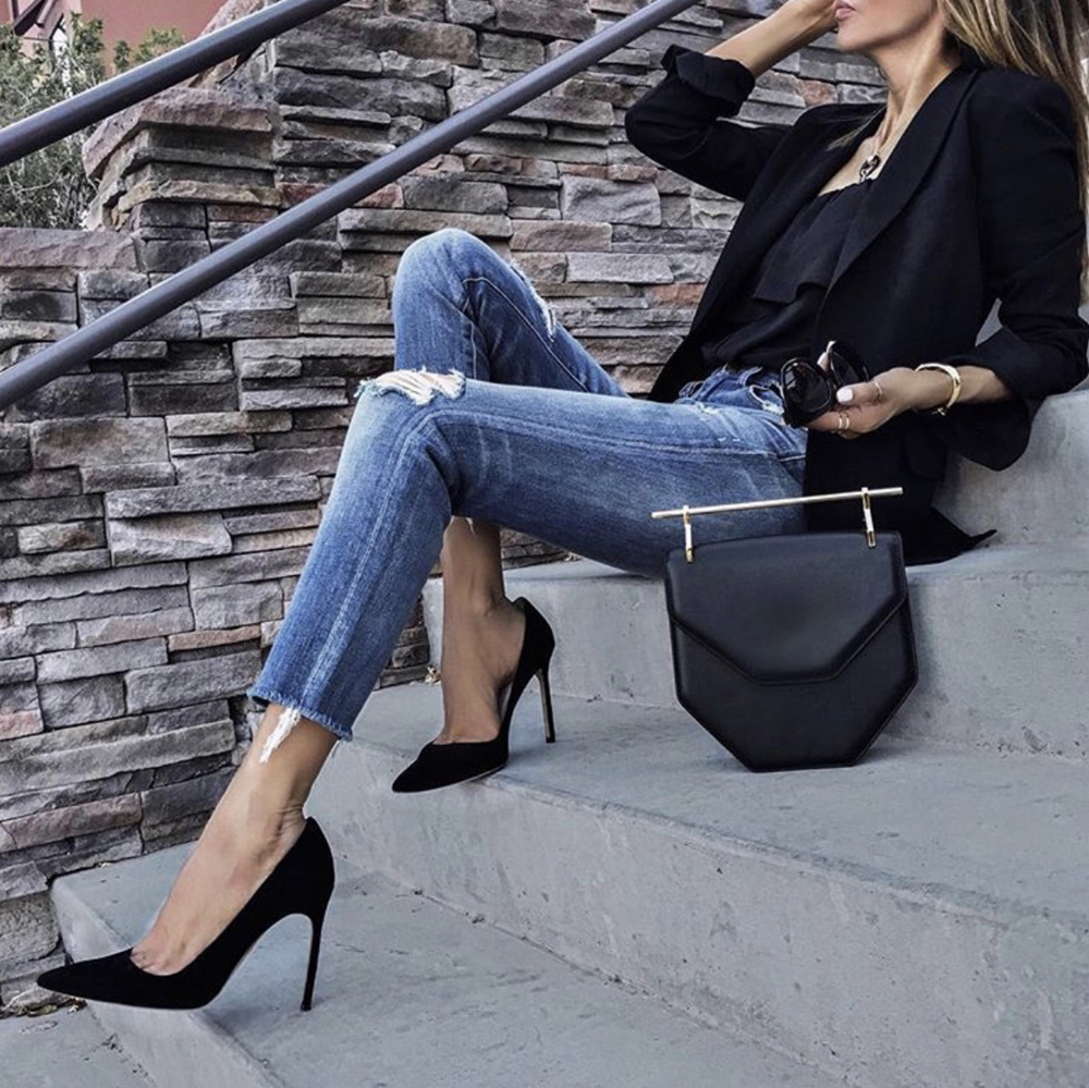 shoes every woman needs, classic black pumps | lolariostyle.com