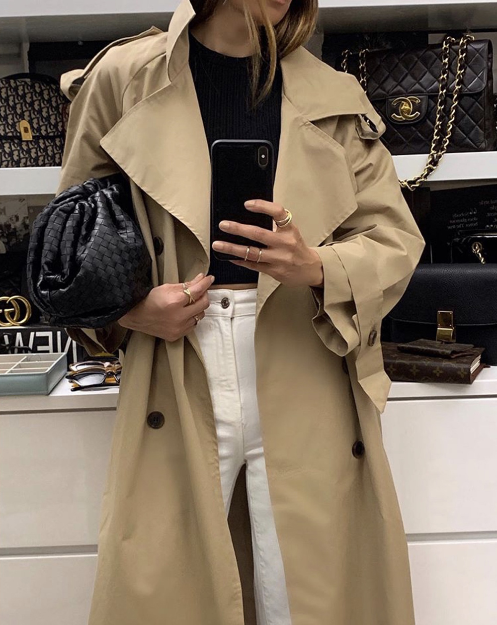 color combinations to wear, oversized trench coat, beige and white outfit   lolario style