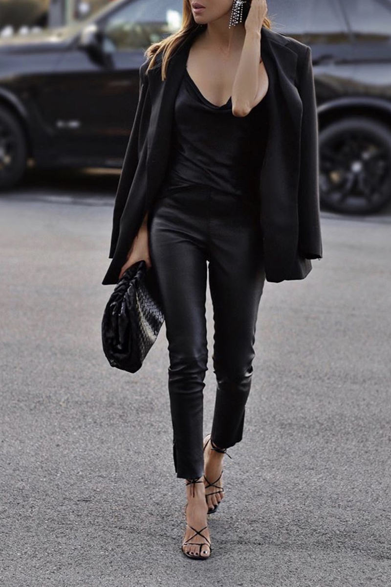 How to Dress Up An All Black Outfit