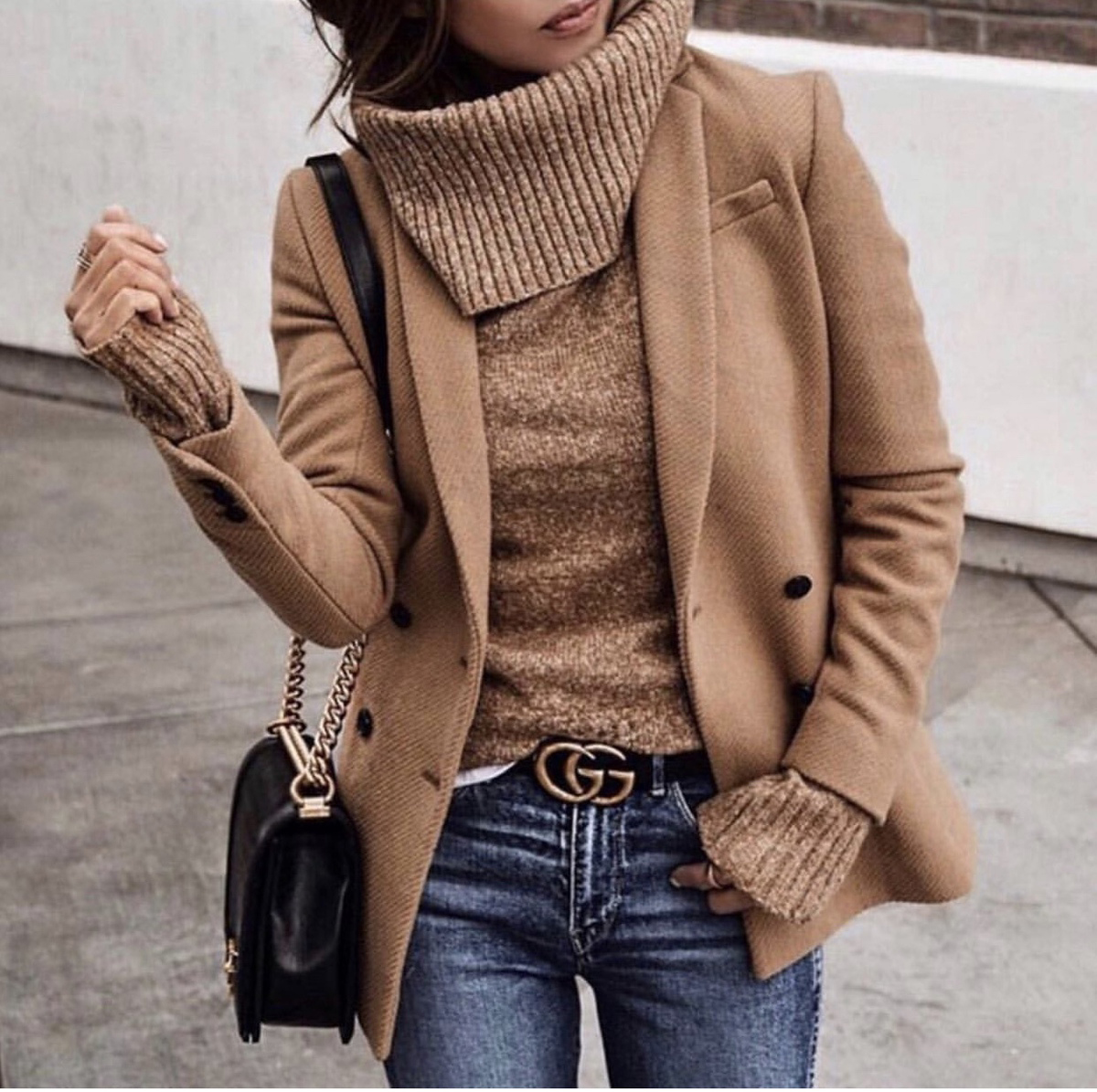 sweater styles, chic sweater styles, sweater styles of fall 2019, chunky turtleneck sweater, beige monochromatic outfit, fall outfit inspiration | lolario style