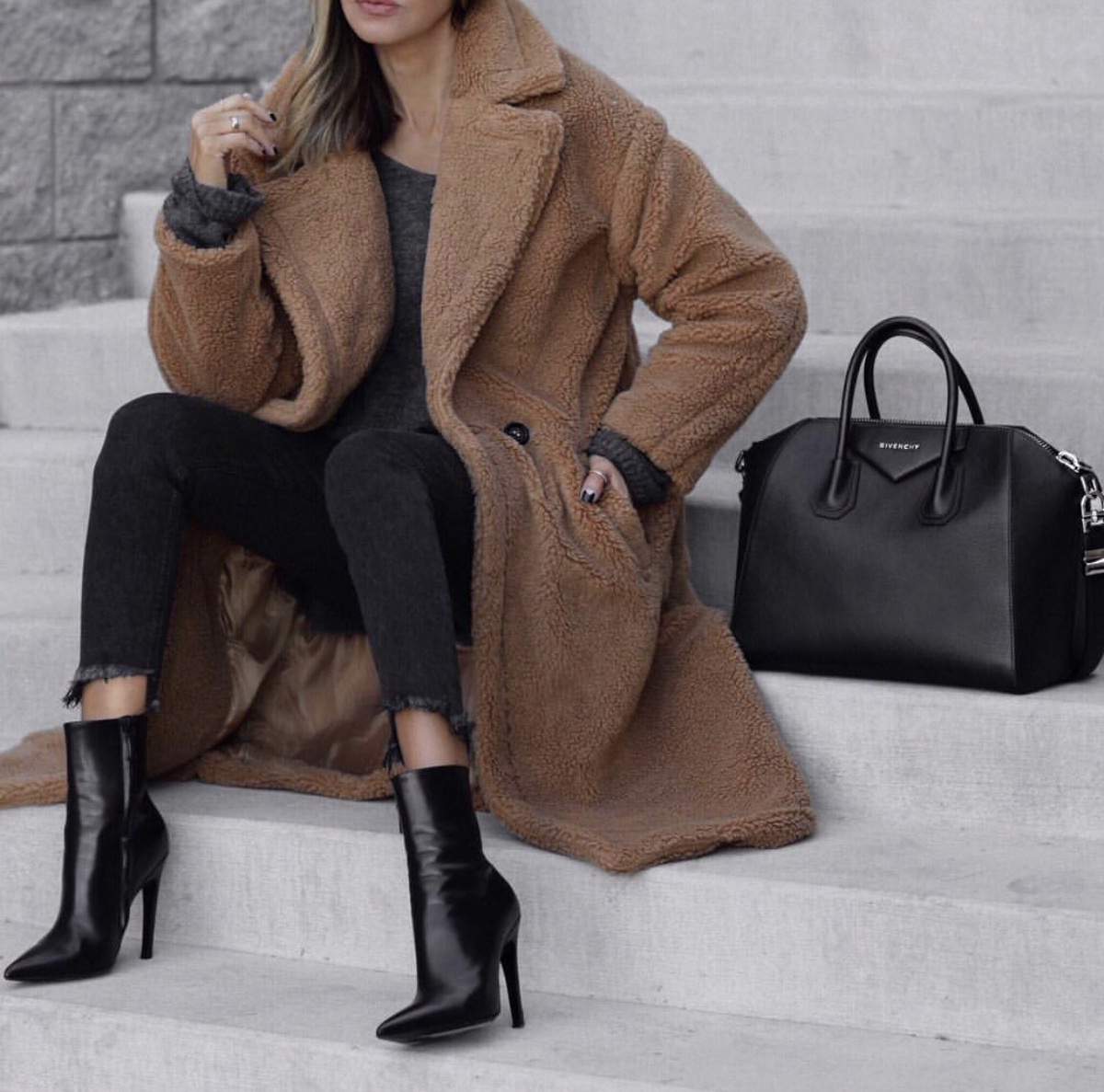 Coats Every Woman Should Own, teddy coat, fall outfit inspiration by lolario style | lolariostyle.com